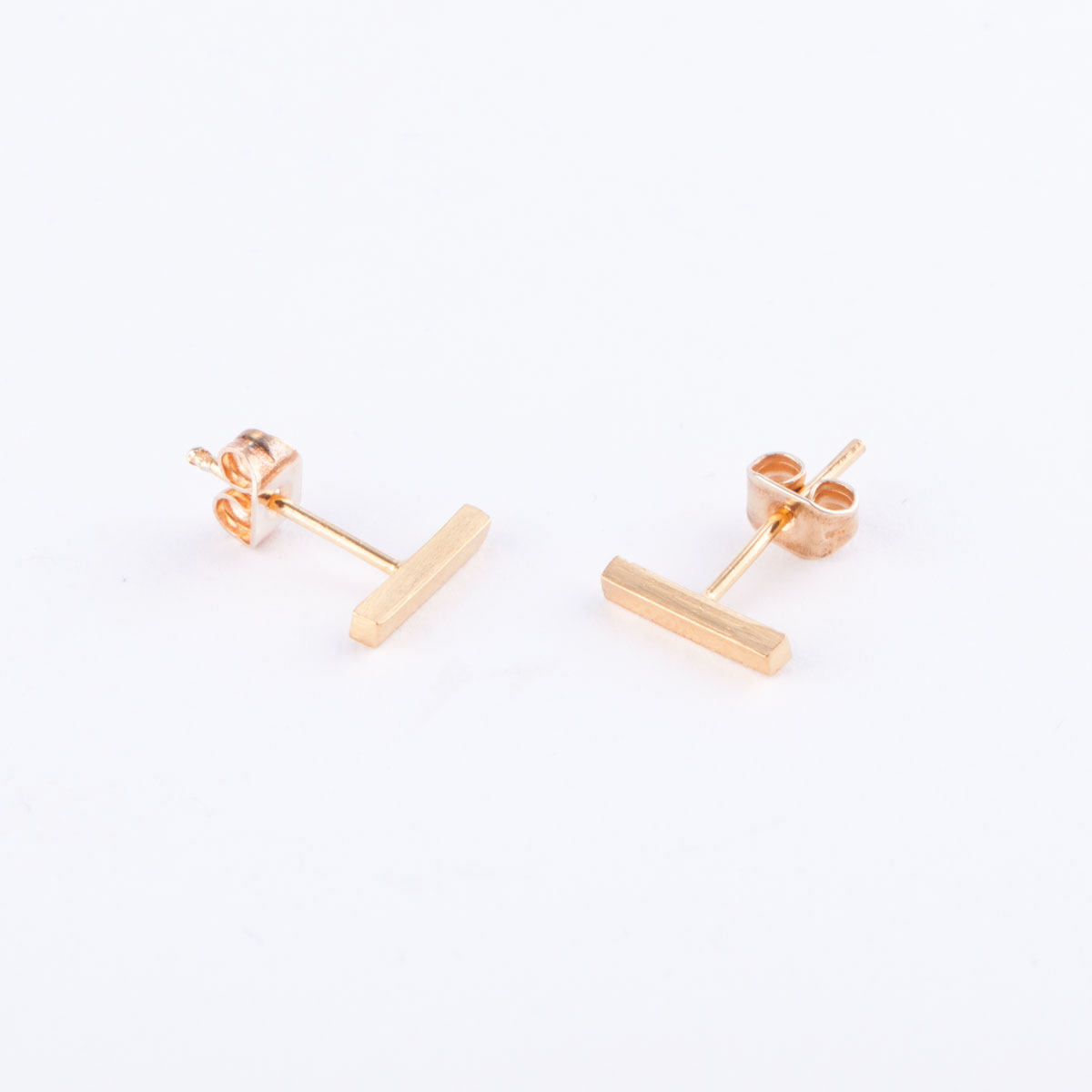 gold staple earrings