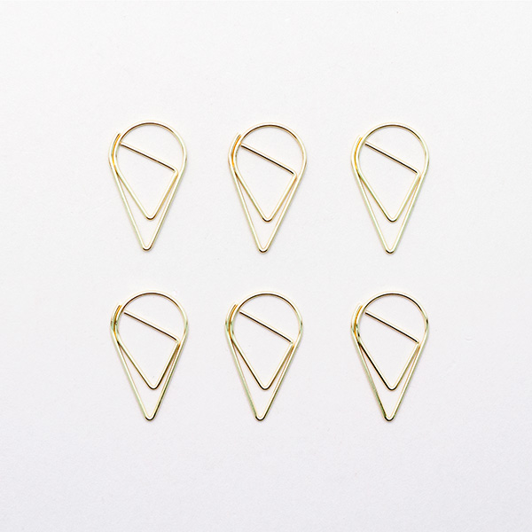 six_gold_paperclips